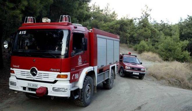 Υπό έλεγχο οι φωτιές σε διαμέρισμα στον Κορυδαλλό και στο σουπερμάρκετ στο Γύθειο