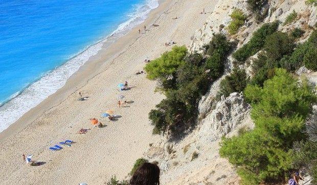 Τέσσερις ελληνικές παραλίες στις κορυφαίες 100