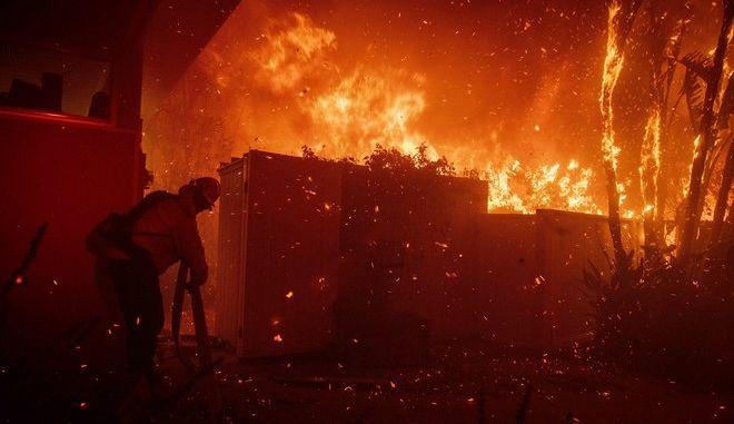 Εικόνα από τη φωτιά στο Λος Άντζελες της Καλιφόρνια