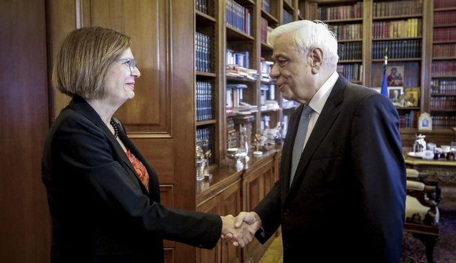 Συνάντηση του Προέδρου της Δημοκρατίας, Προκόπη Παυλόπουλο με την υπουργό Πολιτισμού και Αθλητισμού Μυρσίνη Ζορμπά