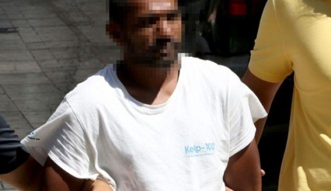 """Κρήτη: Τον σκότωσε με σφυρί γιατί του """"έβρισε την οικογένεια"""""""