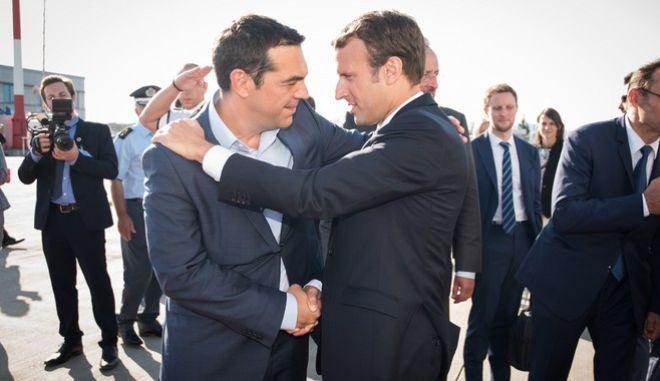 Στιγμιότυπο από την Αναχώρηση του Προέδρου της Γαλλικής Δημοκρατίας και της Συζήγου του, παρουσλια του Έλληνα Πρωθυπουργού Αλέξη Τσίπρα. Παρασκευή 8 Σεπτεμβρίου 2017  (ΓΡ. ΤΥΠΟΥ ΠΡΩΘΥΠΟΥΡΓΟΥ// ANDREA BONETTI// EUROKINISSI)