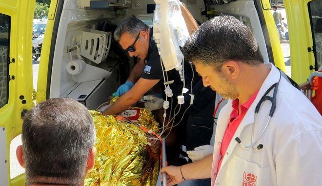 Στιγμιότυπο από το νοσοκομείο στο Ηράκλειο της Κρήτης,οπου μεταφέρθηκαν πολλοί από τους τραυματίες από τον σεισμό στο νησί της Κω,Παρασκευή 21 Ιουλίου 2017 (EUROKINISSI/ΣΥΝΕΡΓΑΤΗΣ)