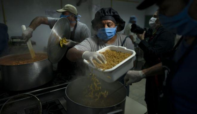 Η πανδημία του κορονοϊού κρύβει κίνδυνο διατροφικής έλλειψης στην παγκόσμια αγορά