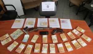 Διακινούσαν κοκαΐνη σε μπαρ στη Χαλκίδα - Εξαρθρώθηκε και σπείρα τοκογλύφων εκβιαστών
