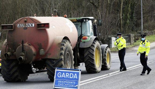 Έλεγχοι στα σύνορα της Ιρλανδίας