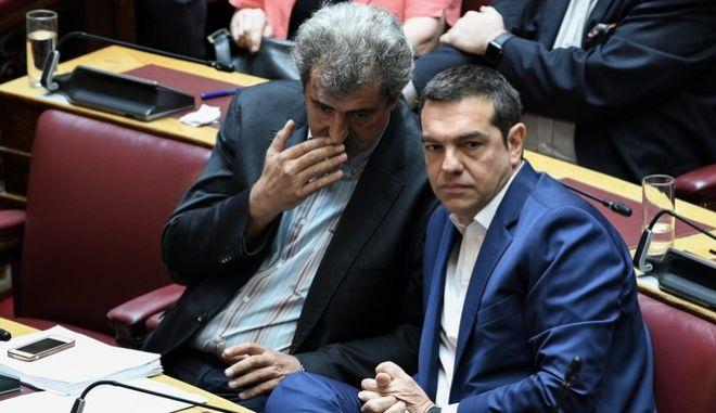 Ο Αλέξης Τσίπρας με τον Παύλο Πολάκη στη Βουλή