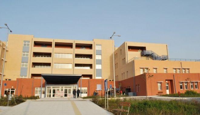 Τοξικομανής σε κατάσταση αμόκ προκάλεσε ζημιές στο νοσοκομείο Ζακύνθου