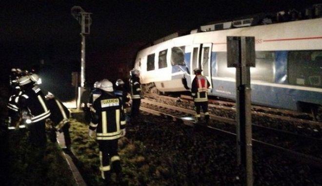 Τουλάχιστον 50 τραυματίες από σύγκρουση τρένων κοντά στο Ντίσελντορφ