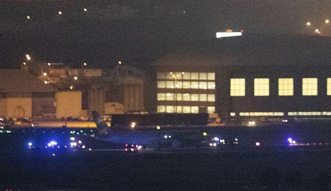 Το Boeing 767 της Air Canada μετά την αναγκαστική προσγείωση στο αεροδρόμιο Μπαράχας της Μαδρίτης