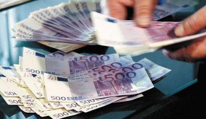 Θηλιά για καταναλωτές και τράπεζες τα κόκκινα δάνεια. Δραματική η αύξηση τους το 2013