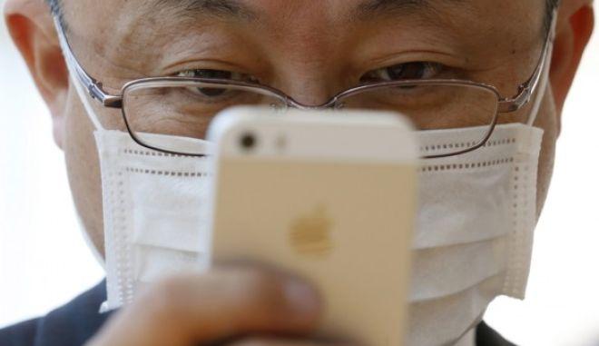 Κινητά: Έρευνα δείχνει συσχετισμό της χρήσης τους με τον καρκίνο