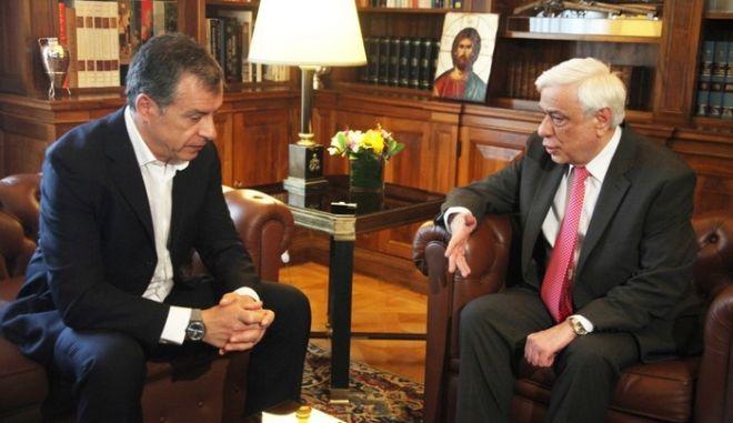 Συνάντηση Σταύρου Θεοδωράκη με τον Πρόεδρο της Δημοκρατίας