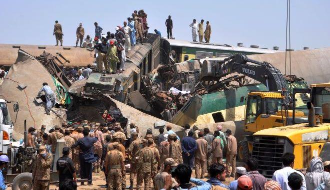 Σύγκρουση δύο τρένων στην επαρχία Σιντ του Πακιστάν
