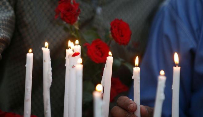 Από το θρήνο για τα θύματα του μακελειού στη Σρι Λάνκα