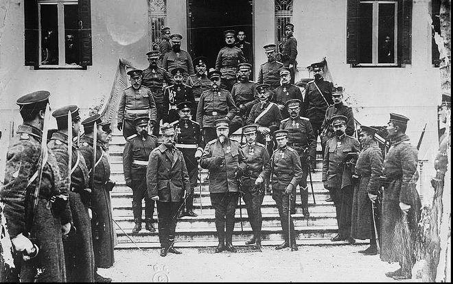 Ο Βασιλιάς Γεώργιος Α΄ της Ελλάδας και ο Τσάρος Φερδινάνδος της Βουλγαρίας στη Θεσσαλονίκη, Δεκέμβριος 1912.