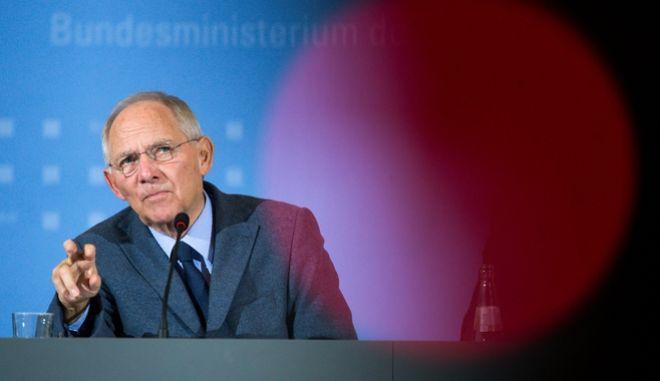 Η πρόταση του ΔΝΤ που ο Σόιμπλε δεν μπορεί να αρνηθεί