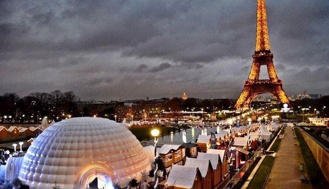 Άδειο το Παρίσι τα Χριστούγεννα, μείωση 40% στην τουριστική κίνηση