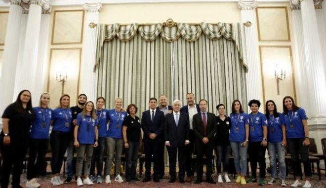 Ο Πρόεδρος της Δημοκρατίας υποδέχτηκε την Παγκόσμια Πρωταθλήτρια εθνική κωφών γυναικών