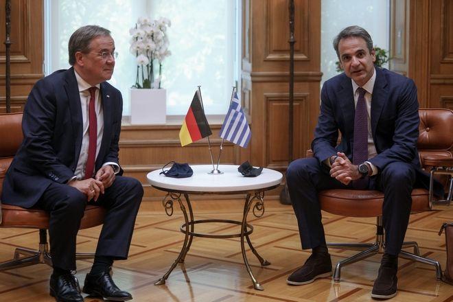 Συνάντηση του Πρωθυπουργού Κυριάκου Μητσοτάκη με τον Πρωθυπουργό του κρατιδίου της Β. Ρηνανίας-Βεστφαλίας Armin Laschet