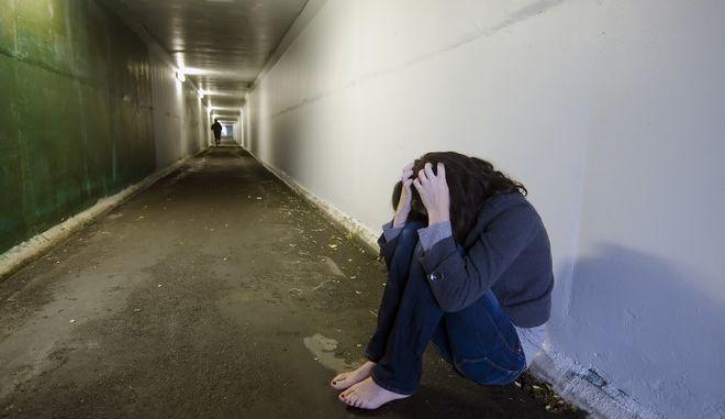 Ποινή - 'χάδι' σε νεαρό που νάρκωνε και βίαζε την 16χρονη αδερφή του