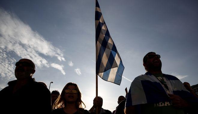 Handelsblatt: Ισχυρή ανάκαμψη της ελληνικής οικονομίας και του χρηματιστηρίου