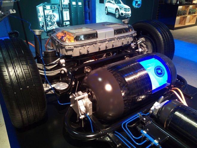 Οδηγήσαμε το υδρογονοκίνητο Mercedes-Benz GLC F-CELL