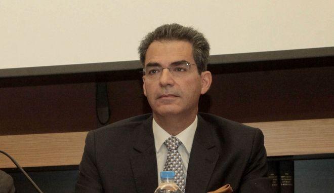 Ο αναπληρωτής καθηγητής Διεθνούς Δικαίου και Εξωτερικής Πολιτικής στο Πάντειο Πανεπιστήμιο και υποψήφιος με τη ΝΔ Άγγελος Συρίγος