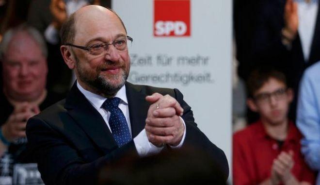 Ο Σουλτς ζητά 'πράσινο' φως για διαπραγματεύσεις με CDU
