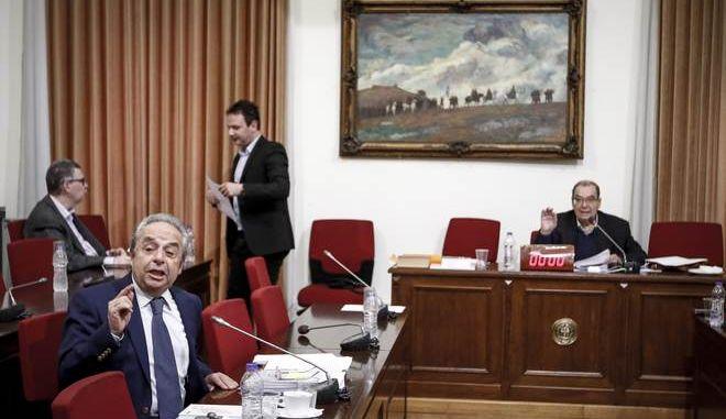 Εξέταση του πρώην προέδρου του ΚΕΕΛΠΝΟ, Γιάννη Πιερουτσάκου, στην Εξεταστική Επιτροπής για τη διερεύνηση των σκανδάλων στην Υγεία την Τετάρτη 10 Ιανουαρίου 2017. Ο Γ. Πιερουτσάκος διετέλεσε πρόεδρος του ΚΕΕΛΠΝΟ για δύο έτη (2007 - 2009), ενώ υπήρξε διευθυντής του γραφείου του Κωνσταντίνου Μητσοτάκη τη διετία 1989 β 1990. (EUROKINISSI/ΓΙΩΡΓΟΣ ΚΟΝΤΑΡΙΝΗΣ)