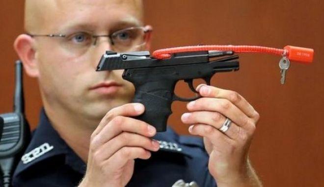 Ήθελε να δημοπρατήσει το όπλο με το οποίο σκότωσε μαύρο έφηβο