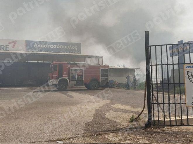 Πύργος: Υπό μερικό έλεγχο η φωτιά δίπλα στην Εθνική Οδό