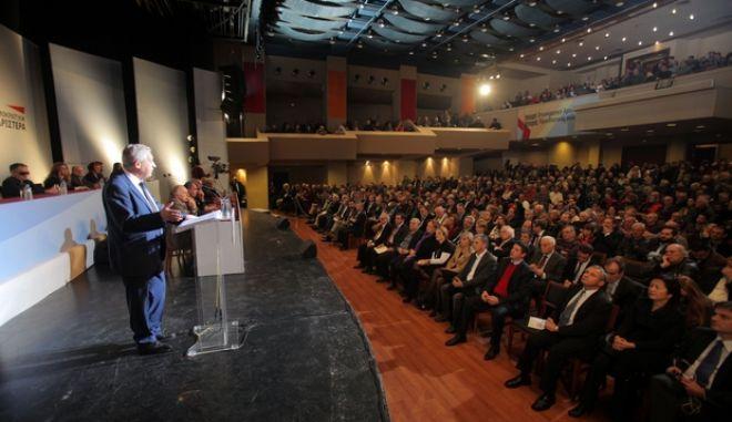 Ο πρόεδρος της ΔΗΜΑΡ Φώτης Κουβέλης στην ομιλία του στις εργασίες της πρώτης ημέρας του 2ου Συνεδρίου του κόμματος, την Πέμπτη 12 Δεκεμβρίου 2013. (EUROKINISSI/ΚΩΣΤΑΣ ΚΑΤΩΜΕΡΗΣ)