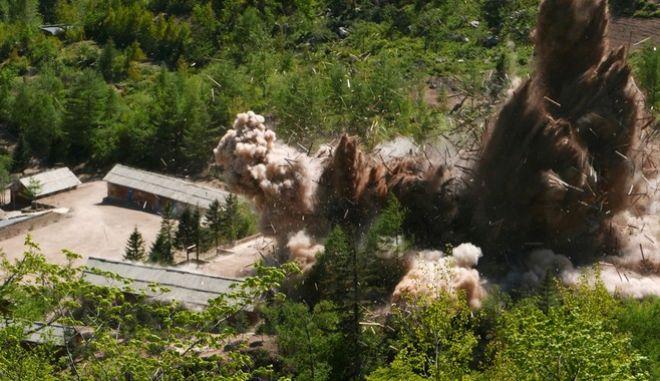 Καταστροφή πυρηνικών εγκαταστάσεων στη Β. Κορέα