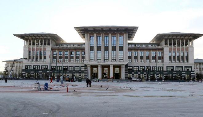 """Αυτό είναι το χλιδάτο """"Λευκό Παλάτι"""" του Ερντογάν που επισκέφθηκε ο Τσίπρας"""