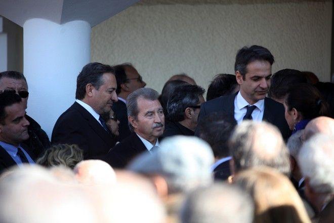 Κηδεία της Βάσως Μεϊμαράκη, αδελφής του Βαγγέλη Μεϊμαράκη, στο Κοιμητήριο Ζωγράφου, την Δευτέρα 28 Δεκεμβρίου 2015. (EUROKINISSI/ΑΛΕΞΑΝΔΡΟΣ ΖΩΝΤΑΝΟΣ)