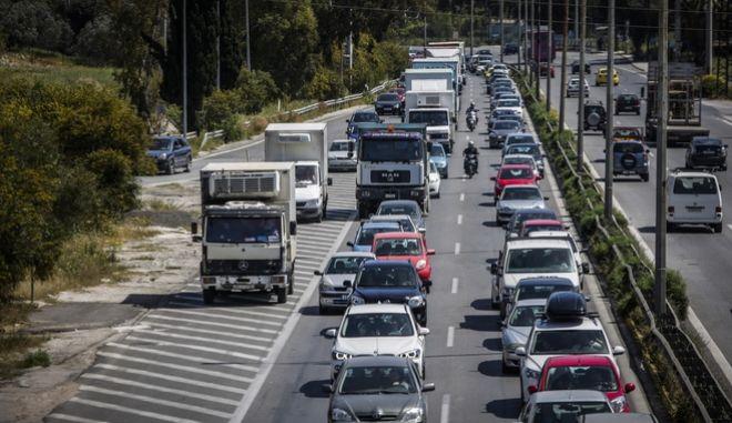 Κίνηση στην Εθνική Οδό, στην έξοδο από την Αθήνα