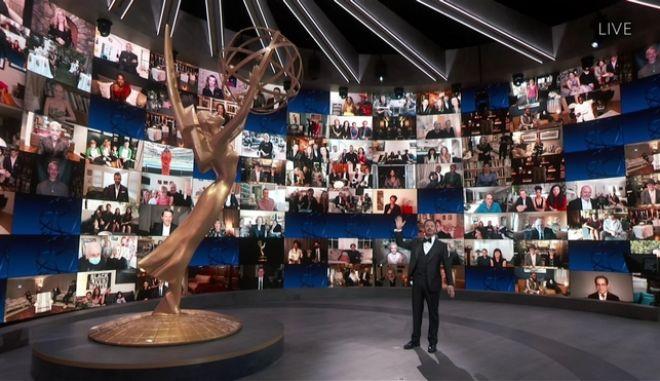 O Jimmy Kimmel παρουσίασε την 72η τελετή απονομής των EMMY