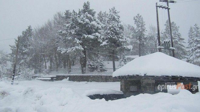 Χτυπάει η κακοκαιρία: Βροχές και χιονοπτώσεις σε όλη τη χώρα