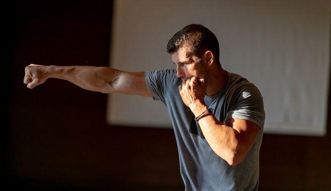 Μαθήματα kick boxing από τον πρωταθλητή Αλέξανδρο Νικολαΐδη