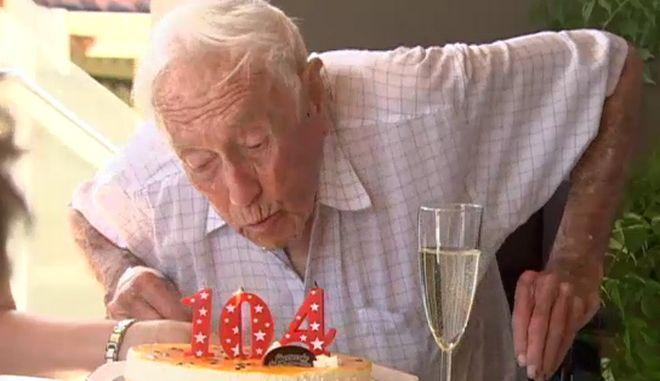 Ο γηραιότερος αυστραλός επιστήμονας πάει στην Ελβετία για ευθανασία