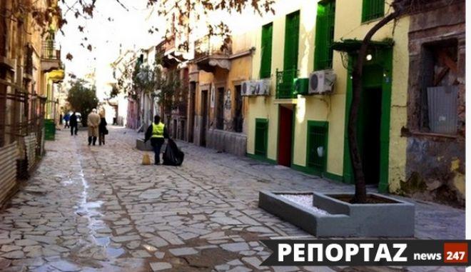 """Ενεργοί πολίτες φωτίζουν την οδό Ιάσονος και δίνουν ζωή στα """"νεοκλασικά της ανοχής"""""""