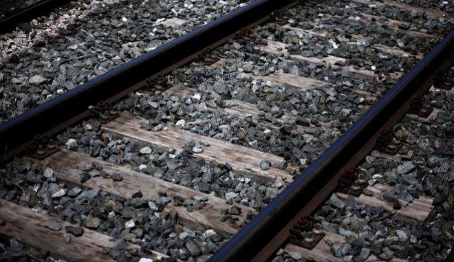 Αναστέλλει τις κινητοποιήσεις η Πανελλήνια Ομοσπονδία Σιδηροδρομικών