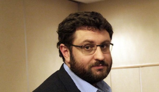 Ζαχαριάδης: Ξεχωρίζει ο ήπιος λόγος Μπακογιάννη