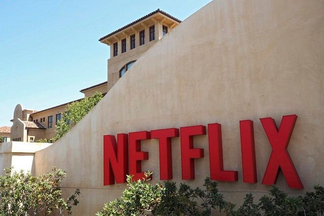 epa05111097 (FILE) A file picture dated 20 August 2015 of an exterior view on the Netflix Corporate headquarters in Los Gatos, California, USA. Netflix is to release their 4th quarter 2015 results on 19 January 2016.  EPA/JOHN G. MABANGLO *** Local Caption *** 52133527  EPA/JOHN G. MABANGLO     *** Local Caption *** 52133527