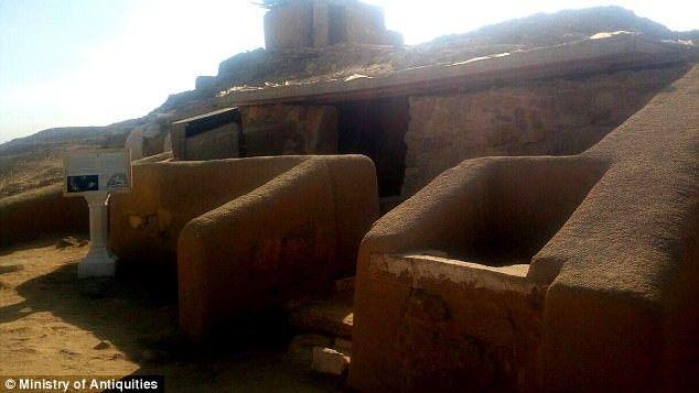 Πυραμίδες της Γκίζας: Ο 'καταραμένος τάφος' των εργατών ανοίγει τις πύλες του στους 'θαρραλέους' επισκέπτες