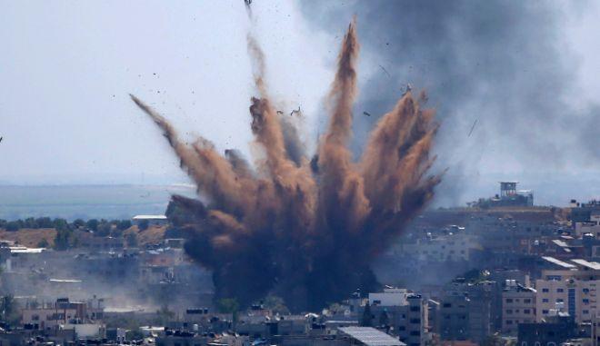Γάζα: Αμείωτοι οι βομβαρδισμοί από το Ισραήλ - Αποστολή Αμερικανού διπλωμάτη στην περιοχή