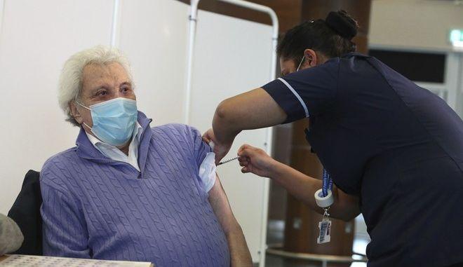 Εμβολιασμός στη Μεγάλη Βρετανία