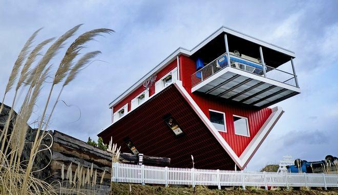 Πρόκειται για ένα... ανάποδο κτίσμα στο Μπίσμπιγκεν της Γερμανίας, που προσελκύει πολλούς τουρίστες κάθε χρόνο
