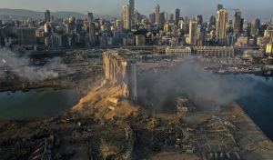 Η φωτογραφία αυτή που 'τραβήχτηκε' με drone δείχνει τι έμεινε μετά την έκρηξη στο λιμάνι της Βηρυτού. Ήταν φιναλίστ των βραβείων Pulitzer, για το 2021.